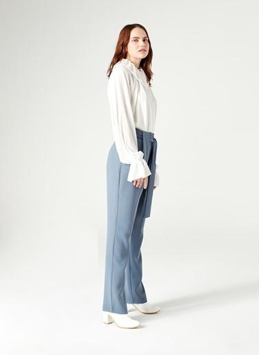 Mizalle Kuşak Detaylı Pantolon İndigo